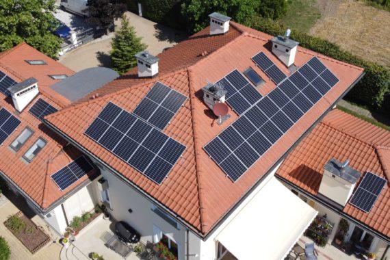 Instalacja fotowoltaiczna na dachu domu jednorodzinnego - Moc 14,08 KW - Sierpień 2020